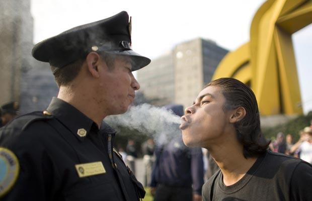 Čo v prípade, ak policajt prehlási, že cíti marihuanu?